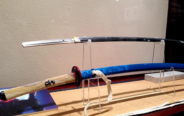 きれいな青色がかっこいい日本刀