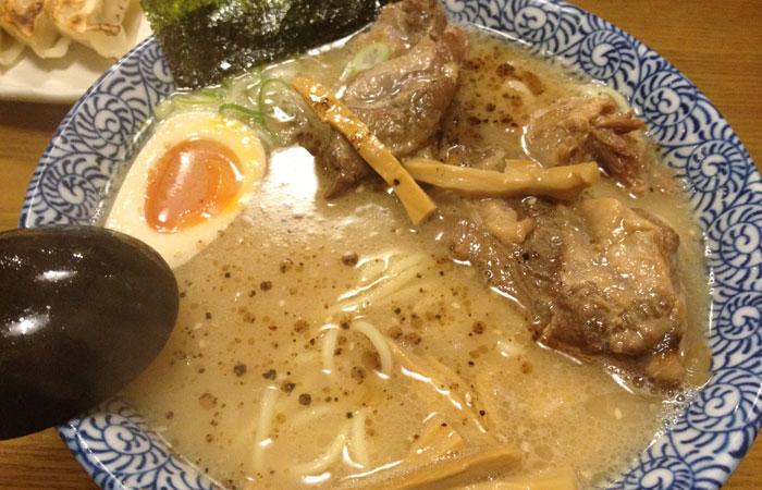 各務原 麺丸 豚なんこつチャーシュー麺