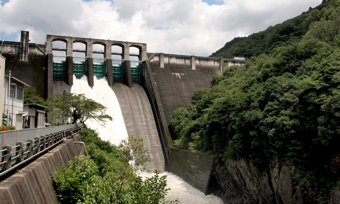 お盆休みだし台風一過で増水した丸山ダムに行ってきた